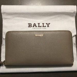 Bally Women's Wrap Around Zip Wallet